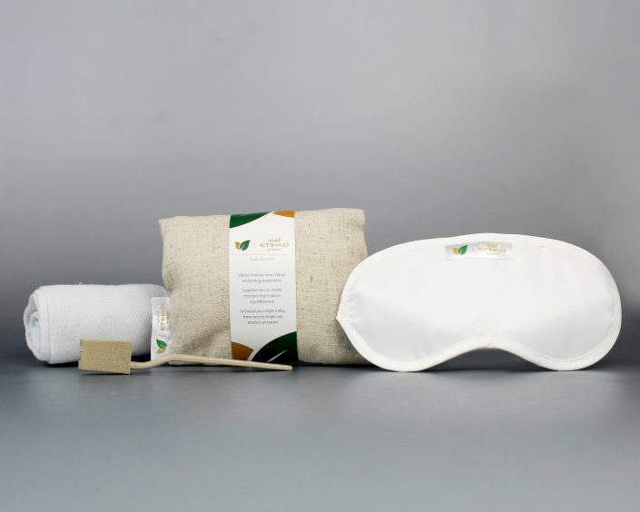 Sustainable amenity kits, ecoLITTLE™ toys and ecoTHREAD™ blankets for the First Single-Use Plastic-Free Flight
